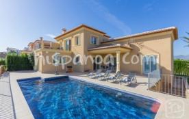 Cette location avec piscine en Espagne se compos