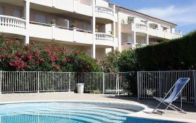 Location de vacances à Cogolin dans résidence avec piscine