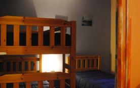 Une chambre  des enfants maison de  plain-pied