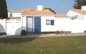 Maison 2 pièces mezzanine de 33 m² environ pour 4 personnes située à 600 m de la mer et 1 km 500 ...