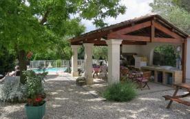 gite 3 étoiles avec parc paysagé et pool house à proximité de la piscine - Alès