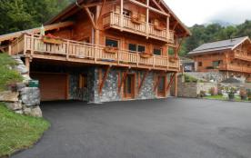 Joli 2 pièces 65 m2 rdc chalet en bois. Très calme