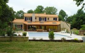 Villa à SAINT GEORGES DE POINTINDOUX