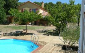 Villa de charme avec piscine privée au milieu des oliviers