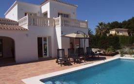 Location de cette maison de vacances avec piscin