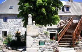Lacalm - Appartement de 83 m² aménagé au rez-de-chaussée de l'ancien presbytère du village compre...
