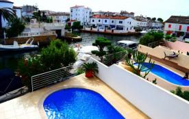 Jolie villa 3 chambres avec piscine et amarre ref 306