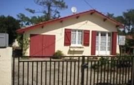 Detached House à VENDAYS MONTALIVET