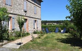 Maison pierre du pays. Entre Gaillac, Castelnau de Montmiral.