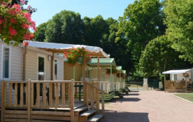 Le camping est idéalement situé en bord de Loire, à proximité du stade nautique et du Canal du Ni...