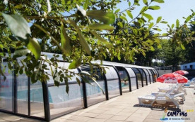 Camping L'Étang du Pays Blanc - Chalet CONFORT 35m² (3 chambres) avec terrasse couverte (TV, Barb...