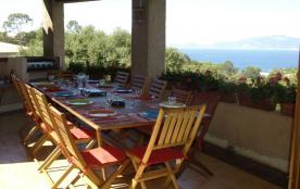 Grande villa accueillante avec vue sur mer et piscine privée, classée 4 étoiles