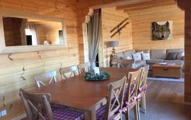 Salle à manger avec table à rallonges