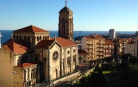 la vue de la terrasse dur l'église de BEAUSOLEIL vers MONACO