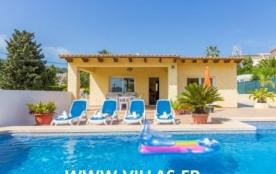 Villa AB PE - Jolie villa ensoleillée pour 4 à 6 personnes avec piscine privée située dans un qua...