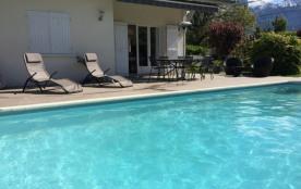 ST JORIOZ Maison avec piscine 500m du lac 8 pers.