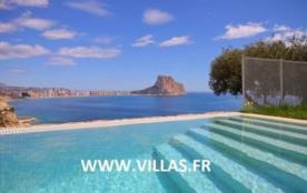 Villa OL THA - Villa en position exclusive avec de superbes vues panoramiques sur la mer.
