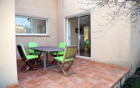 terrasse donnant sur cuisine