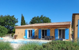 Villa spacieuse et moderne de plain-pied avec piscine privée