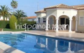 Cette villa à louer en Espagne a un grand