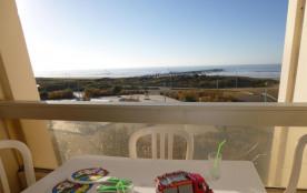 Appartement studio cabine de 38 m² environ pour 5 personnes située à 50 m de la plage et des acti...