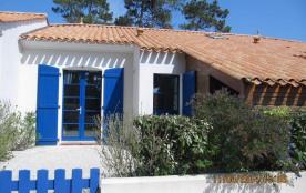 Maison 2 pièces + mezzanine de 38 m² environ pour 6 personnes située dans un quartier calme, la r...