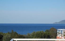 Villa 2 appart, 6+5 pers avec piscine et à 800 m de la mer