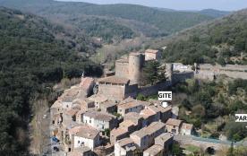 Agréable maison de campagne au pied de son chateau