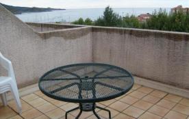 FR-1-309-54 - Studio proche de la mer, avec agréable terrasse et place de parking