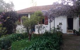 Belle Villa avec jardin arboré et fleuri pour 10 pers dans un cadre agréable