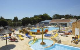 Camping 4* Les Pirons -MOBILHOME 6 personnes - 3 Chambres (entre 6 et 10 ans)