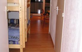 L'entrée avec lits superposés
