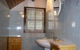 haut cabinet de toilette.
