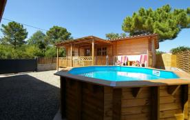 """Maison Bois type """"Chalet"""" avec piscine pour 4 personnes"""