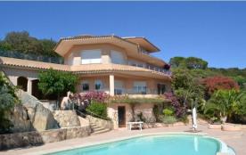 Villa COLETTE, exceptionnelle et discrète,  5 chambres, 350 m2, habitable, sur 3 niveaux,