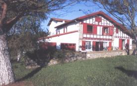 Pikoteni, façade