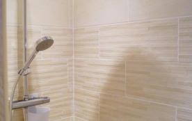 salle d'eau ( douche à l'italienne)