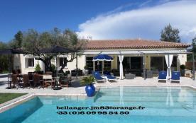 Superbe Villa avec piscine chauffée , Var, Le Castellet, 4 ch - 10 pers