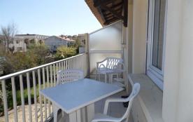 Agréable 3 pièces 4 couchages au premier étage, dans le secteur du Vieux Marseillan Plage.