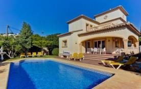 Villa AA35 - Cette villa attrayante et moderne pour 8 personnes est dotée d'un aménagement confor...