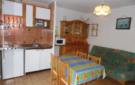 Location vacances : 2 pièces 4/6 couchages, au premier étage, dans résidence avec accès direct pl...