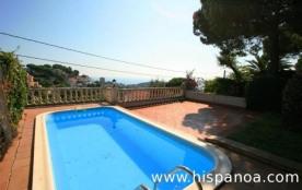 Villa située dans le quartier résidentiel Font de Sant llorenç à 3 km de la plage de Cala Canyell...