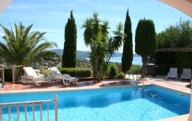 Superbe villa provençale de 180 m² avec piscine privative et vue mer féérique