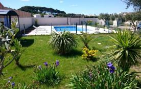 Villa de standing avec grande piscine à Pinet proche de Pézenas et Marseillan.