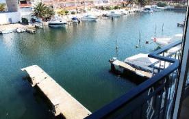 Bel appartement climatisé avec vue sur le canal  REF 114