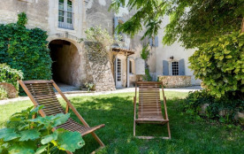 squarebreak, The charm and character of Luberon´s old stone bui