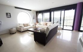 Moderne maison à Calafell pour 8 personnes, à seulement 4 km des plages de la Costa Dorada!