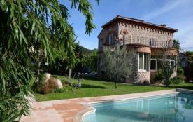 FR-1-366-86 - La villa catalane