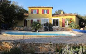 Villa à SAINT-MAXIMIN-LA-SAINTE-BAUME  LIBRE du 06/08/2017 au 20/08/2017 uniquement  1300 euros / semaine