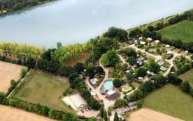 Flower Camping du Lac de La Chausselière, 47 emplacements, 34 locatifs